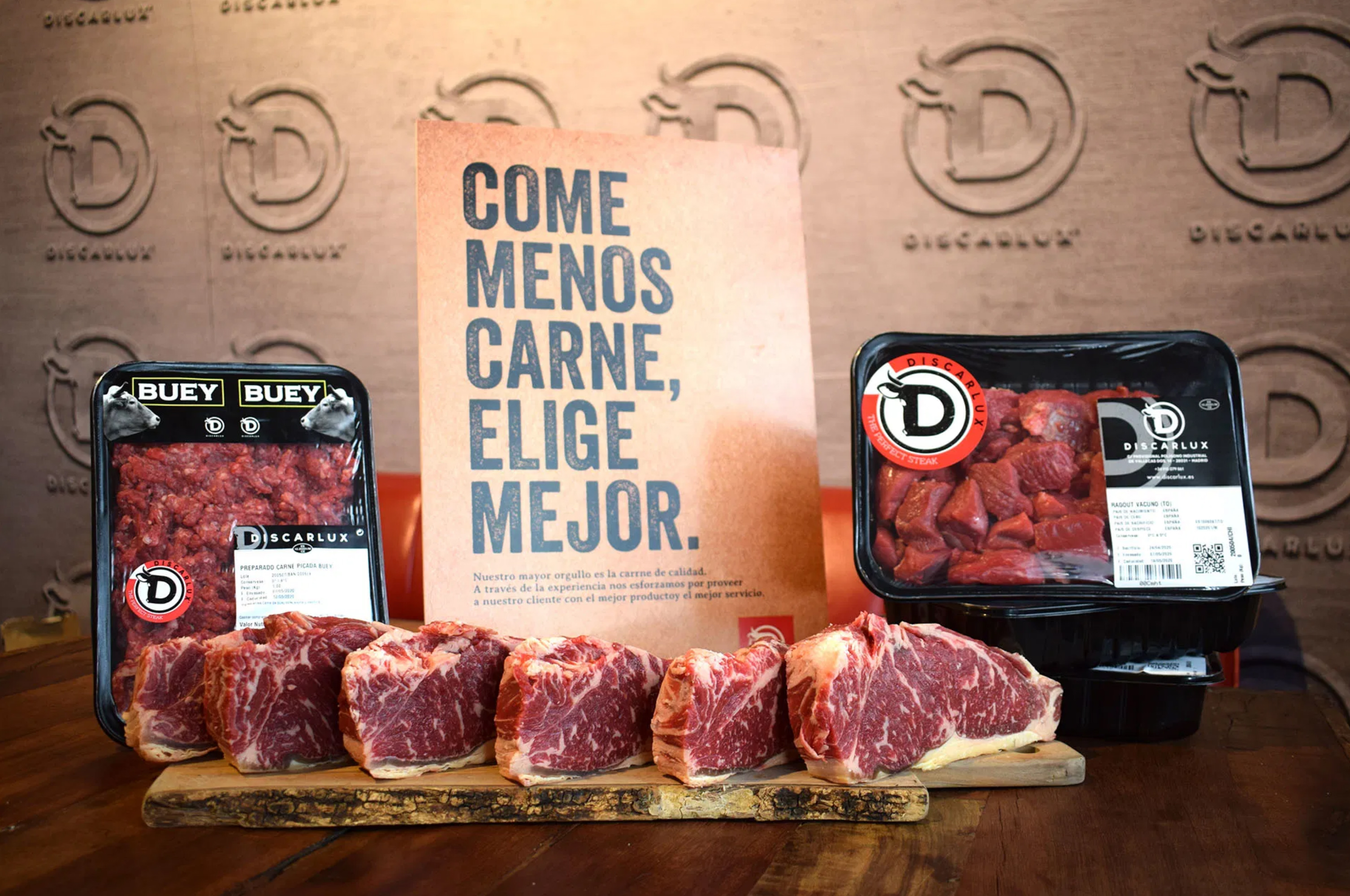 Pack de carne familiar: seis entrecot, carne picada de buey y de vaca, ragout y filetes de añojo
