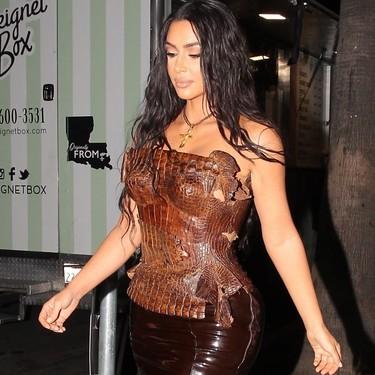 """Kim Kardashian se convierte en """"Xena: la princesa guerrera"""" con su último estilismo (de manera literal)"""