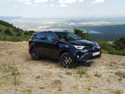 Nos metemos campo a través con el Toyota RAV4 hybrid 2WD