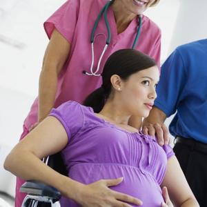 La OMS se pronuncia sobre la falta de respeto y el maltrato en el parto: hay que erradicarlos