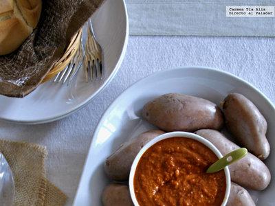 Dúo de mojos canarios con patatas cherry. Receta de picoteo