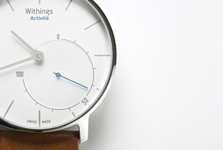 1.withings_activit__flagship_close-up.jpg