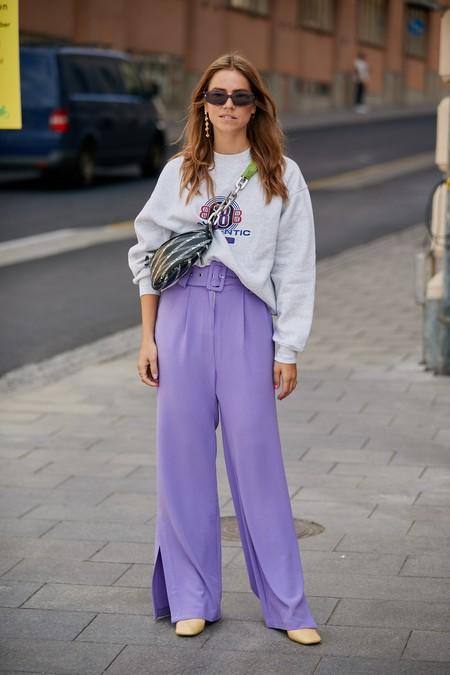 Las bajitas también pueden triunfar con los pantalones palazzo: éstas son las 7 claves para hacerlo