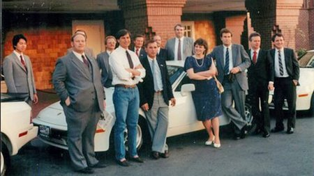 Steve Jobs regaló Porsche 944 a los vendedores de Apple