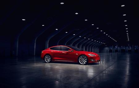 Tesla Model S P90d 1