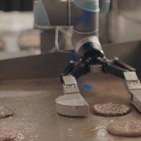 Flippy es el primer robot asistente de cocina que puede hacer hamburguesas