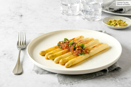 espárragos blancos con vinagreta templada de tomate