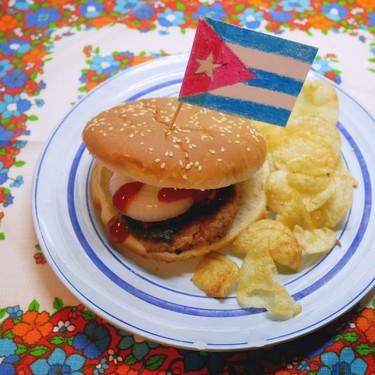 Hamburguesa o frita cubana: la comida callejera por excelencia de La Habana