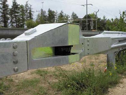 El mito de los radares embebidos en los guardarrailes