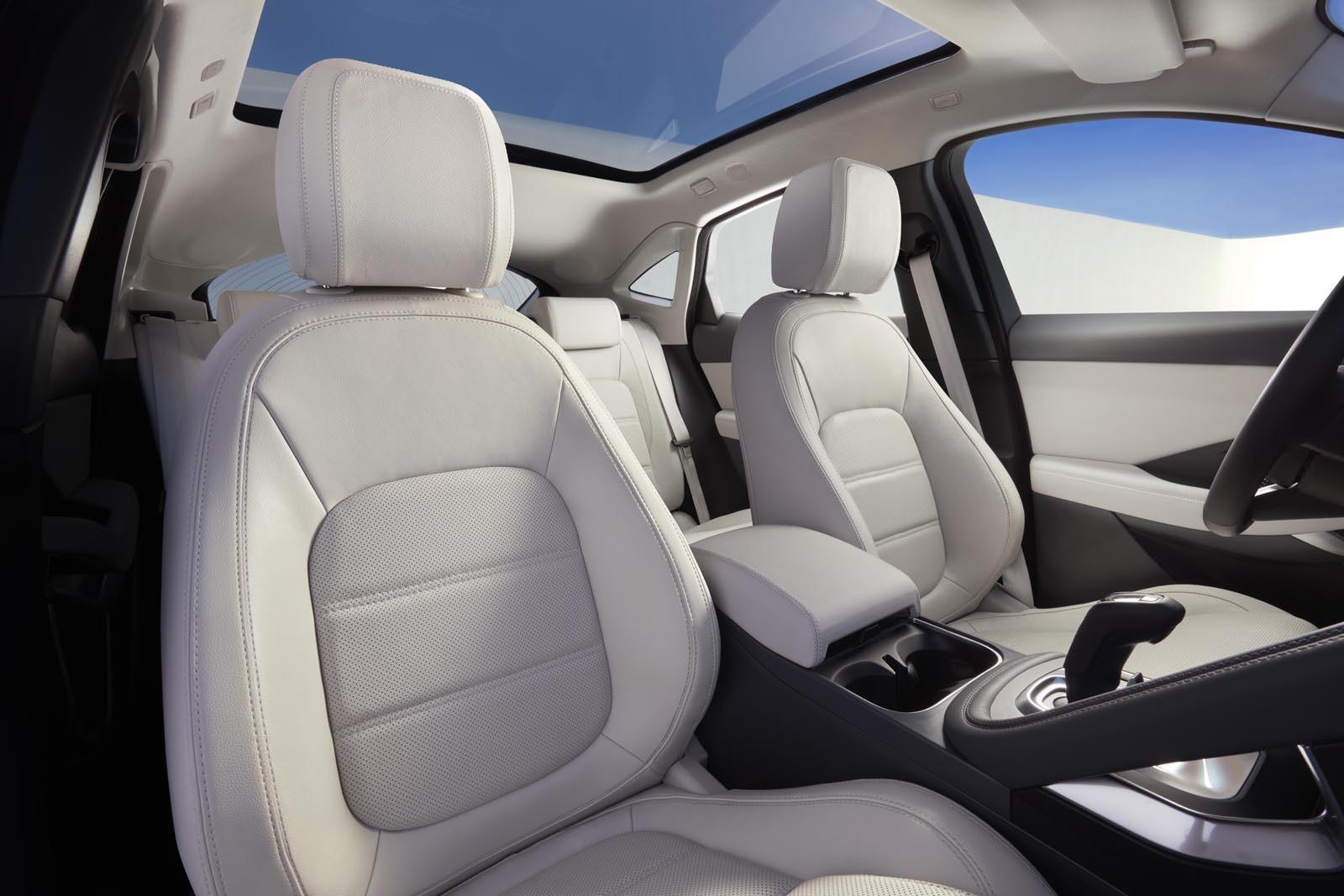 Foto de Jaguar E-PACE (3/24)