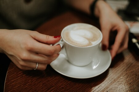 El consumo diario de cafeína en apreciables cantidades podría modificar estructuralmente el cerebro según un estudio