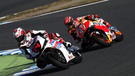 Fernando Alonso revela que pasó miedo cuando pilotó la Honda de Marc Márquez en MotoGP