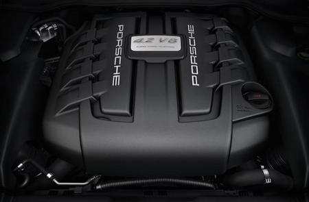 El motor es un V8 de 382 CV