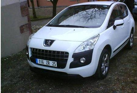 Más imágenes del Peugeot 3008 sin camuflaje