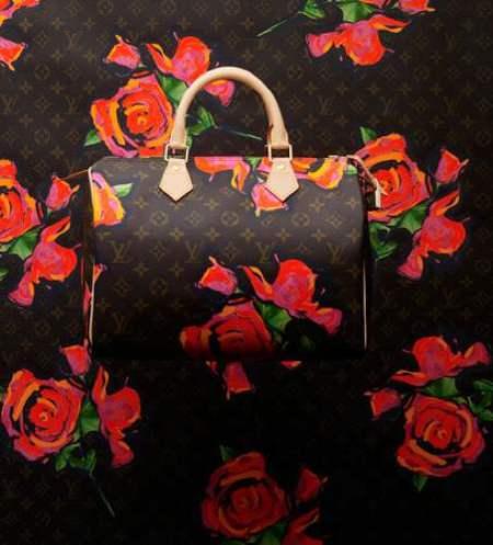 Louis Vuitton homenajea a Stephen Sprouse en su nueva colección, flores