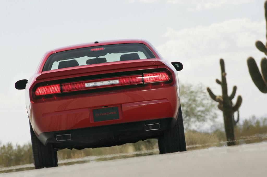 Foto de Dodge Challenger R/T (9/37)