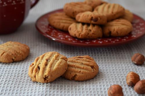 Galletas de avellanas con mantequilla de cacahuete y avena: receta para amantes de las pastas rústicas