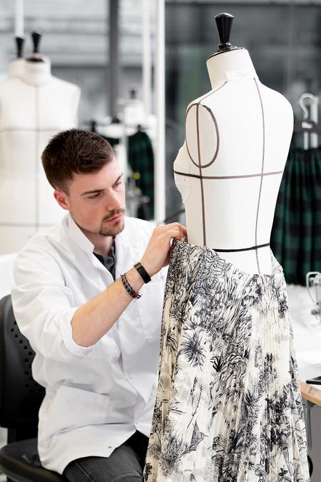 Dior Autumn Winter 2019 2020 Savoir Faire Toile De Jouy C Sophie Carre 6