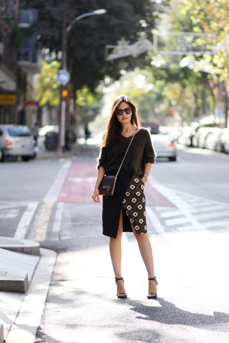 Jersey Oversize Falda Tendencia Looks Street Style 3