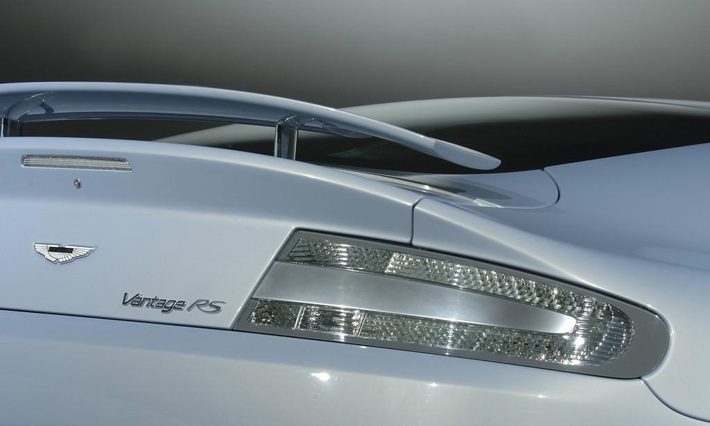 Foto de Aston Martin V12 Vantage RS (14/29)