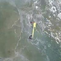 Es la primera vez en la historia que dos personas atrapadas en el mar son rescatadas gracias a un drone