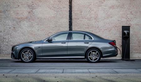 El nuevo Mercedes-Benz Clase E estrenará en breve motores de 4 cilindros y más autonomía para el híbrido enchufable E 300de