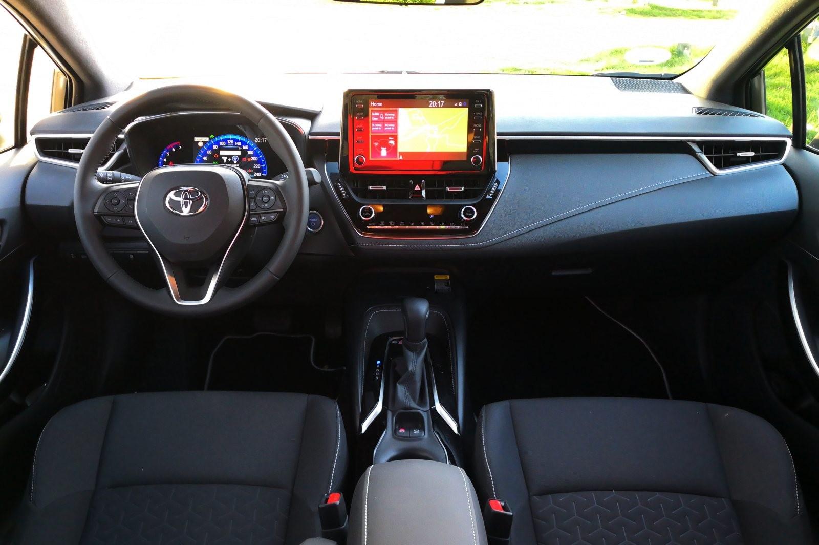 Foto de Toyota Corolla 125H - Imágenes del interior (1/14)