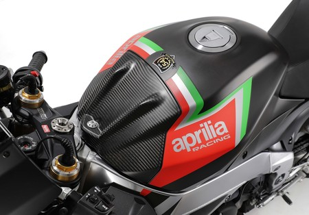 Aprilia Rsv4 1100 Factory 14
