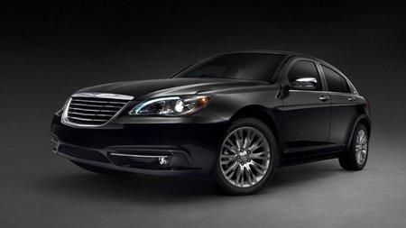 2011 Chrysler 200, a oscuras pero se deja ver