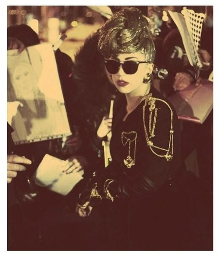 Pon una banda sonora a tu desfile: Donatella Versace ficha a Lady Gaga