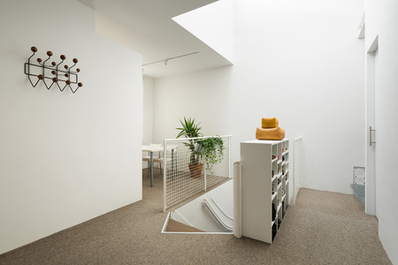 Minimalist Amsterdam Apartment With Lots Of Open Space 7