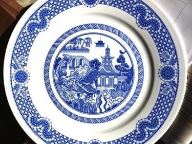 Calamityware, unos platos de porcelana con criaturas aterradoras