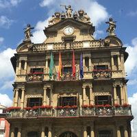 La Plaza Consistorial o del Ayuntamiento, tesoro arquitectónico de Pamplona