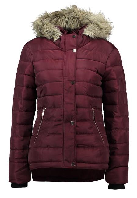 60% de descuento en la chaqueta Fur de Dorothy Perkins: ahora cuesta 27,95 euros en Zalando
