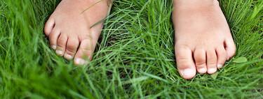Nueve recomendaciones de expertos para cuidar la salud de los pies de los niños en verano