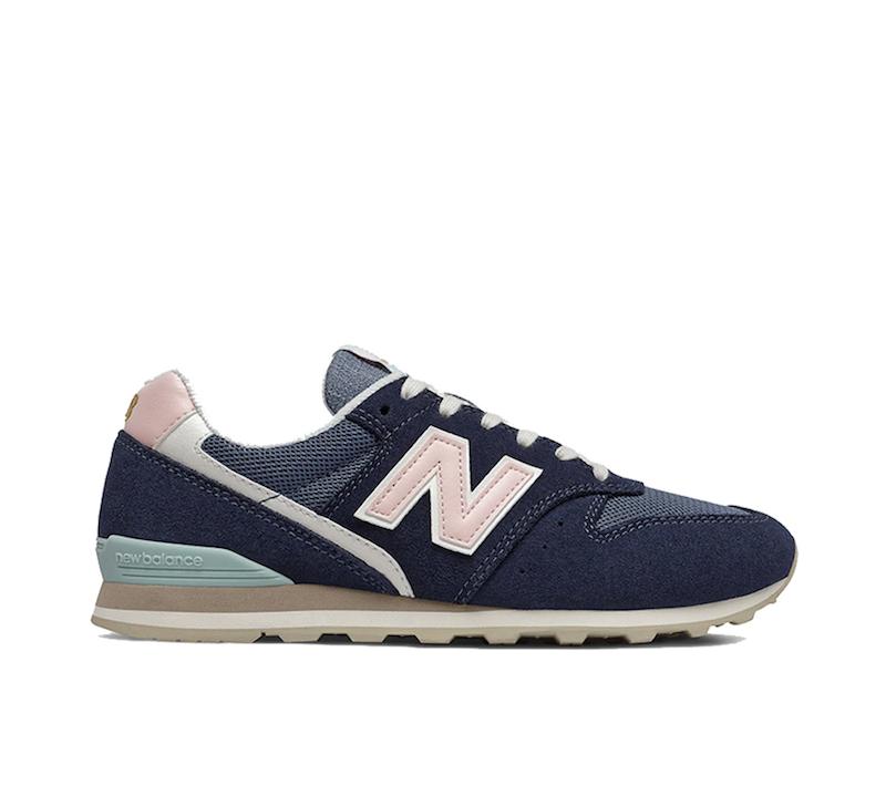 Zapatillas de mujer de serraje New Balance 996 de color azul marino con cordones
