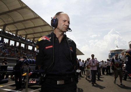 """Adrian Newey: """"McLaren mejoró copiando nuestros escapes"""""""