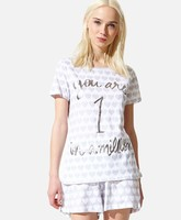 Pijama con mensaje de Oysho