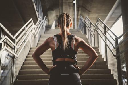 escaleras-ascensor-ejercicio