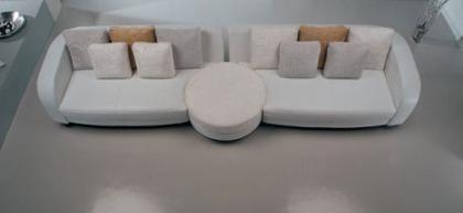 la-meteora-bellini-clock-sofa.jpg