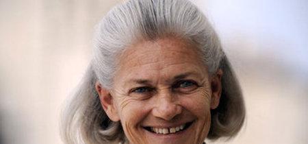 La prestigiosa filósofa y empresaria Elisabet Badinter advierte: hay barrios en Francia donde está prohibido llevar falda