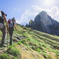 Tres ofertas flash de Amazon en bastones Enkeeo para los amantes del senderismo y el trekking