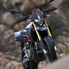 Foto 7 de 30 de la galería aprilia-dorsoduro-factory-2010 en Motorpasion Moto