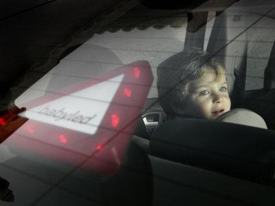BabyLed, un dispositivo luminoso que indica a los demás cuando llevas a tu bebé en el coche