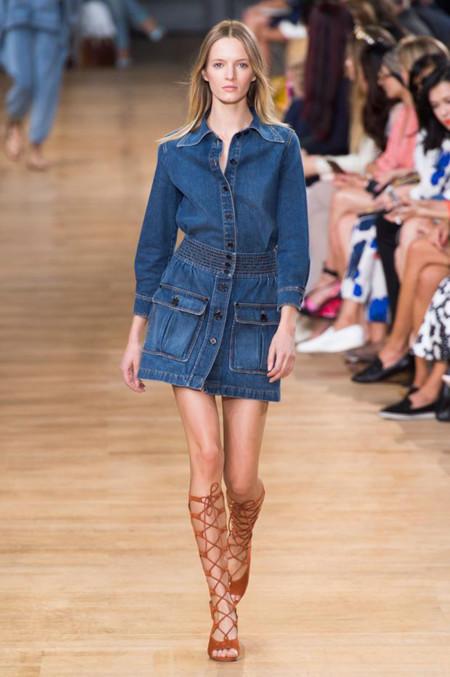 Clonados y pillados: la falda denim con botones de Chloé ya está en Zara