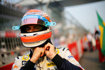 Nelsinho Piquet teme que Grosjean le quite su asiento
