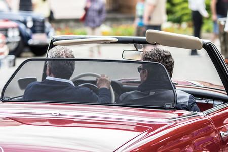¿Es hora de quitarle el carné de conducir a nuestros mayores? Así lo regulan los países de nuestro entorno