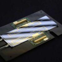 Este nuevo chip fotónico dota a la computación cuántica de algo muy importante: multitarea