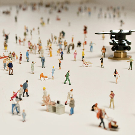 Mesa de centro con escenas en miniatura