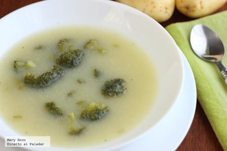 Sopa de brócoli y papa. Receta